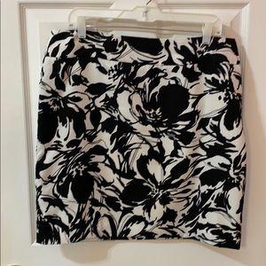Anne Klein lined skirt